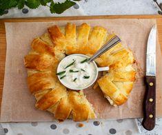 Húsvéti sonkás koszorú leveles tésztából Recept képpel - Mindmegette.hu - Receptek Easter Crafts, Fudge, Pineapple, Bakery, Food And Drink, Dinner, Fruit, Hampers, Dining