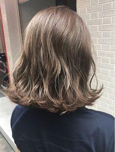 ワンバイワンクラッカ(one by one CLACCA) ブルーシアグレージュ×外ハネウェーブボブ Hair Inspo, Hair Inspiration, Short Styles, Long Hair Styles, Hair Arrange, Hair Heaven, Japanese Hairstyle, Crazy Hair, Perm