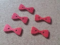 5 x 2-Hole Wooden Buttons - Glittered - 29mm - Bow - Red