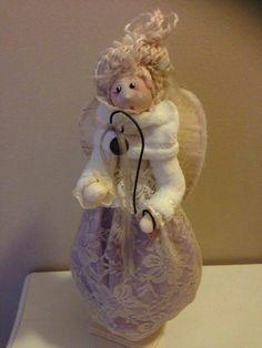 Dolls, Christmas Ornaments, Disney Princess, Holiday Decor, Videos, Feltro, Baby Dolls, Puppet, Christmas Jewelry
