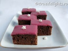 Red wine and cinnamon cake Cinnamon Cake, Sweet Pie, Mulled Wine, Cheesecakes, Red Wine, Caramel, Sweet Treats, Yummy Food, Meals