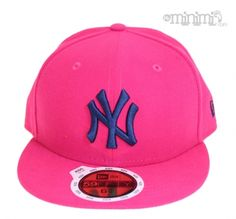 Photo New Era Casquette Enfant NY Yankees - Rose fushia et bleu marine Une  casquette so a43c51046290