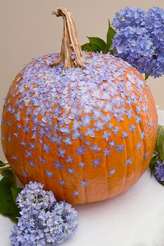 Floral Decoupage | DIY Network Blog: Made + Remade >> http://www.diynetwork.com/made-and-remade/make-it/6-fabulous-ways-to-decoupage-pumpkins?soc=pinterest