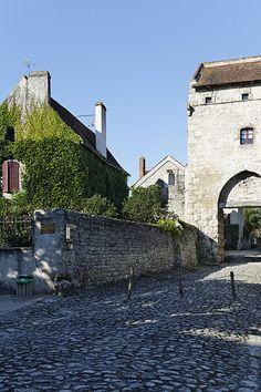 Auvergne, Allier, Charroux