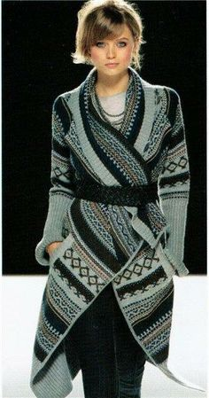 Grey and black Crochet Coat. Gilet Crochet, Crochet Coat, Knitted Coat, Crochet Jacket, Crochet Cardigan, Crochet Clothes, Knitwear Fashion, Knit Fashion, Moda Crochet