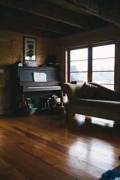 avoir sa propre maison dans les bois est the best ,mais avec un piano dedans ce l'est encore plus :)