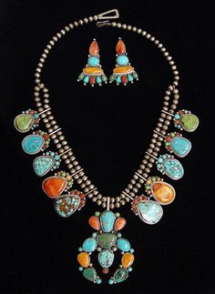 Turquoise Tortoise Gallery, Sedona. Multiple Turquoises & Spiny Oyster Squash Blossom necklace & earrings by David Lister