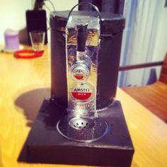 Sinterklaas surprise - Beertender (de basis is een kleine ronde prullenbak)
