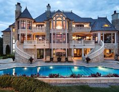 This would be a great house for throwing parties!