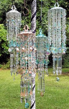 Purchase or custom order unique crystal wind chime designs. Unique chandeliers also available! Browse Gallery for great ideas! Crystal Wind Chimes, Diy Wind Chimes, Hanging Crystals, Diy Crystals, Suncatcher, Glass Garden Art, Diy Chandelier, Stained Glass Art, Mobiles