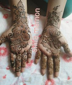 No photo description available. Khafif Mehndi Design, Simple Arabic Mehndi Designs, Stylish Mehndi Designs, Mehndi Designs For Fingers, Wedding Mehndi Designs, Mehndi Design Pictures, Beautiful Mehndi Design, Latest Mehndi Designs, Rajasthani Mehndi Designs