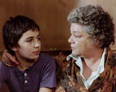 """Simone Signoret est Madame Rosa dans l'adaptation du roman de Romain Gary """"La vie devant soi"""" https://www.facebook.com/media/set/?set=a.611437468934667.1073742006.431333303611752&type=1"""