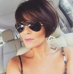 "Hair Beauty - ""Idée Tendance Coupe & Coiffure Femme 2018 : This post was discovered by Pau"", Likes, 1 Comments - Jenna's"", ""La chant Bob Hairstyles For Fine Hair, Short Bob Haircuts, Pixie Hairstyles, Pretty Hairstyles, Teenage Hairstyles, Short Bob Bangs, Side Bangs Bob, Short Pixie Bob, Braid Hairstyles"