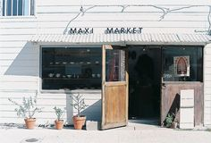 MAXI MARKET by **mog**, via Flickr