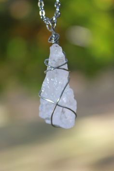 Natural Rough Rose Quartz stainless steel wire wrapped healing stone pendant. Chakra stone necklace. Reiki healing stone jewelry. Crystal.
