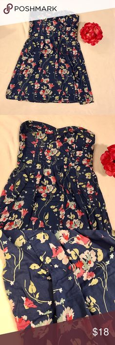 🌺Strapless floral summer dress 🌺 Flirty and fun strapless dress, perfect for summer! 🎀 In excellent condition American Eagle Outfitters Dresses Strapless