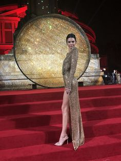 Kendall at The 2018 Fashion Awards in London 💎 Celebrity Red Carpet, Celebrity Style, Sexy Outfits, Stylish Outfits, British Fashion Awards, Kendall And Kylie Jenner, Kardashian Jenner, Mode Style, Nice Dresses