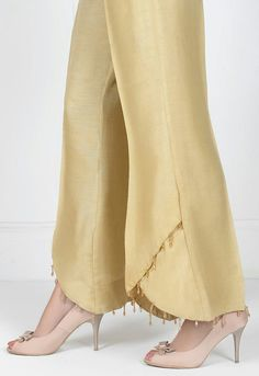 BEAUTIFUL new style finish for pant pants legs.You don't have to go to the extreme of the beading if you don't want to.Without the beading, they still look super elegant !Best Picture For Women Pants diy For Your TasteYou are looking for somet Salwar Designs, Kurti Neck Designs, Kurti Designs Party Wear, Blouse Designs, Plazzo Pants, Salwar Pants, Pakistani Dresses Casual, Pakistani Dress Design, Fashion Pants