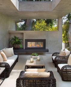 Feldman House by Core Development Group (Originally designed in 1953 by Gregory Ain) – casalibraryA Contemporary Redesign For This Mid-Century Modern Home In Los Angeles This partially covered outdoor lounge has a fireplace to enjoy when it gets co Outdoor Rooms, Outdoor Furniture Sets, Furniture Ideas, Outdoor Balcony, Deck Furniture, Furniture Inspiration, Outdoor Decor, Plywood Furniture, Room Inspiration