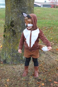 DIY Fox Costume Using a Hoodie | Mama.Papa.Bubba. - Clever! Great idea for inexpensive dressup clothes,  too.
