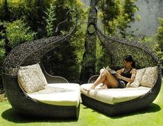 faceing eachother never gets any easier than this cool lawn chairs by balnabebi