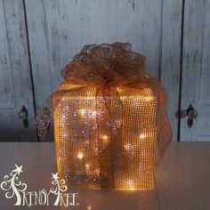Lighted Christmas Present Tutorial - Trendy Tree Blog