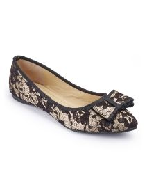 Lace Pointed Shoe