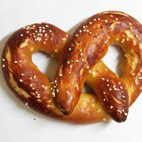 Homemade Soft Pretzels - ALTON BROWN @bvencill I think we should go with this recipe for our sour spent grain!! @kaitkennedy you're invited! I'll try to make a beer/cheese dipping sauce
