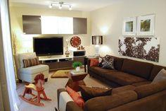 Wohnwand in braun und weiß und Karlstad Sofa