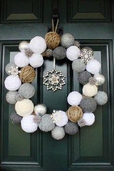 Decorazioni natalizie per l' ingresso di casa