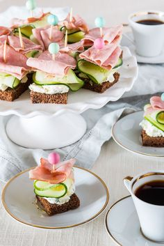 Tea Sandwiches perfect for a brunch, tea, or shower. Fast and Fancy Philadelphia Cream Cheese Tea Sandwiches Tapas, Café Chocolate, Snacks Für Party, Party Appetizers, Tea Party Recipes, Tea Snacks, Halloween Appetizers, Tea Party Sandwiches Recipes, Birthday Recipes