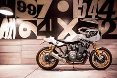 "Image of Yard Built Yamaha XJR1300 ""Eau Rouge"" by Deus Ex Machina Italy"