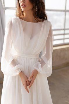 Organza Bridal, Wedding Dress Organza, Wedding Dress Sleeves, Long Sleeve Wedding, Organza Dress, Dress Lace, Formal Gowns With Sleeves, V Dress, Boho Wedding Gown
