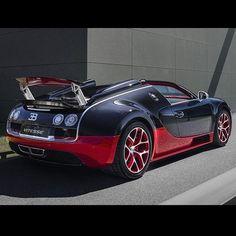 Bugatti 2012 EB Veyron 16.4 Grand Sport Vitesse black+red