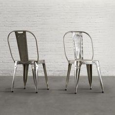 #DialmaBrown - Nell'#urban #style si ha la tendenza all'utilizzo di materiali di #recupero, di finiture materiche e metalliche. Le #sedie in #metallo di Dialma Brown sono in tono con tutto questo e garantiranno un sapore #metropolitano, in veste moderna, alla tua stanza.