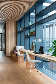 DIY Home Office Design Ideas. Hence, the requirement for home offices.Whether you are planning on adding a home office or refurbishing an old room right into one, here are some brilliant home office design ideas to assist you get going. Corporate Office Design, Office Space Design, Office Interior Design, Office Interiors, Office Designs, Creative Office Space, Workspace Design, Working Space Design, Business Design