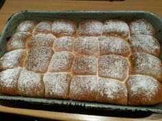 České buchty • recept • bonvivani.sk Banana Bread, Baking, Food, Kochen, Bakken, Meals, Backen, Yemek, Postres