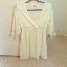 Cream Tobi Dress NWOT Gorgeous chiffon dress from Tobi Tobi Dresses