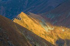 http://marekowczarz.pl/przez-gran-otargancow-na-raczkowa-czube-i-jarzabczy-wierch/ Jesienna wyprawa w najpiękniejsze rejony słowackich Tatr Zachodnich w poszukiwaniu słońca, magii i kolorków.  Lubię to!Lubię to! ·  ·