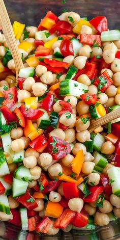 Greek Chickpea Salad Recipe - Vegetarian and Gluten-Free Healthy Side Dishes, Veggie Dishes, Veggie Recipes, Whole Food Recipes, Vegetarian Recipes, Cooking Recipes, Healthy Recipes, Recipes Dinner, Side Salad Recipes
