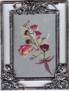 Pressed Flower Gifts | Smaller Pictures Flower Ideas, Diy Flowers, Flower Designs, Diy Nature Projects, Press Flowers, Leaf Skeleton, Preserved Flowers, Dry Plants, Pressed Flower Art