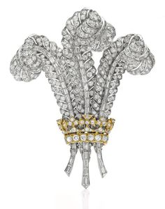 The Prince of Wales Brooch – Designed in 1935, by the then-Prince of Wales for his future bride, a plume-shaped diamond brooch was sold to Elizabeth Taylor, who was a close friend of the Duchess and Duke of Windsor.