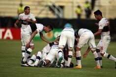 Olimpia logra pellizcar un punto en Ecuador - Fotos - ABC Color