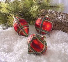 A plaid Christmas tree...how much fun!!