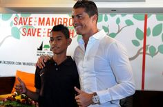 In Portugal training this week, Cristiano Ronaldo met the teenager who famously helped tsunami in Indonesia 11 years ago. Martunis, now 17, survived the devastating Boxing Day disaster in 2004 on their own for 21 days before being rescued. His mother and two brothers were among..