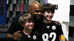 """Antwaan Randle El hosted """"Bowls for Souls"""" at AMF Noble Manor Lanes."""