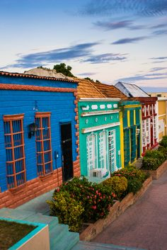 Santa Lucía, a well known street of this old neighborhood of the city of Maracaibo - Copyright Marcial Quintero