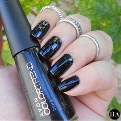 #Blacknails para a semana! Mais detalhes no blog: www.bellealmeida.com.br #blogbellealmeida #unhas #nails #esmaltedasemana