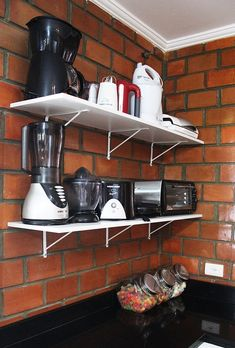 "O ""depois"" da nossa cozinha (Parte - A casa que a minha vó queria - Kitchen Rack Design, Kitchen Display, Interior Design Kitchen, Kitchen Organisation, Bathroom Organization, Home Decor Kitchen, Diy Kitchen, Home Decor Furniture, Bad"