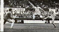 Bob Latchford, Everton scoring against Coventry City 1980-81, Everton won 5-0